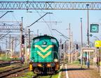 SM42-136 -- SM42-136 rozpoczyna poranne manewry na stacji Ostrołęka.