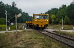 Wózek motorowy WM15 -- Wózek motorowy WM15 PKP PLK podczas inspekcji szlaku na kilometrze 41, przejeżdża przez przystanek Biel.