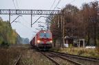 X4EC-020 -- Siemens Vectron DB Schenker z pociągiem z Ostrołęki, przejeżdża przez stację Dalekie.