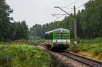 VT627-101 -- Pociąg osobowy do Tłuszcza na szlaku między nieczynną stacją Dalekie, a przystankiem Leszczydół.