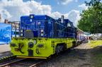 Lokomotywa 714.8 -- Czeska lokomotywa zasilana gazem CNG jako eksponat na Czech Raildays 2014. Za lokomotywą stoi wagon praskiego metra.
