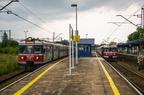 EN57-655 -- Pociąg Kolei Śląskich do Lublińca odjeżdża ze stacji Tarnowskie Góry.