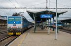 362 159-6 -- Pociąg przyspieszony Kolei Czeskich oczekuje na odjazd ze stacji Przerów.