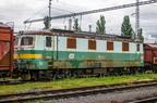 141 055-4 -- Wycofana w 2007 roku lokomotywa 141 oczekuje na lepsze czasy przy zakładzie DPOV w Przerowie.