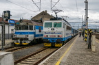 363 027-5 -- Jednostka 460 przy peronie czołowym na stacji w Przerowie. Po prawej pociąg osobowy prowadzony wagonem sterowniczym i lokomotywą 363 na końcu do stacji Brzecław.