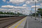 Stacja Tłuszcz po modernizacji -- Widok z peronu trzeciego na tory dodatkowe.