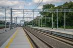 Stacja Tłuszcz po modernizacji -- Tory szlakowe linii kolejowej Zielonka - Kuźnica Białostocka. Widok z peronu trzeciego w kierunku Białegostoku.