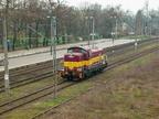 SM42-2214 -- Lokomotywa manewrowa Rail Polska oczekuje na rozpoczęcie manewrów na bocznicę po skład wagonów z WCMB w Wyszkowie.
