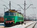 ET22-785 -- Lokomotywa ET22 luzem manewruje po stacji w Ostrołęce.
