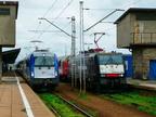 EU44-008 -- EU44-008 z ekspresem PKP Intercity oraz ES64F4-458 Przewozów Regionalnych z pociągiem RegioEkspres na stacji Warszawa Wschodnia.