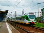 ER75-001 -- Stadler FLIRT Kolei Mazowieckich z pociągiem Siedlce - Warszawa Zachodnia.