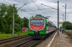 EN57AL-1551 -- Pociąg REGIO rel. Białystok - Szepietowo odjeżdża z przystanku Łapy Osse.