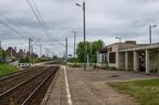 Łapy Osse -- Widok na przystanek kolejowy Łapy Osse w kierunku Białegostoku.