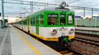 EN57-038 -- Najstarsza jednostka Kolei Mazowieckich po naprawie wykonanej w marcu z pociągiem Tłuszcz - Ostrołęka oczekuje na odjazd.