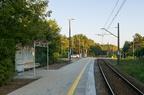 Rybienko - peron po remoncie -- Wiata oraz wyremontowana nawierzchnia peronowa.