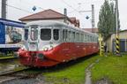 """M260.001 -- Praska """"Srebrna Strzała"""", odrestaurowany wagon motorowy z 1938r. na dniach kolei w Bohuminie."""