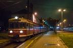EN57-636 -- EN57-636 z ostatnim pociągiem rel. Bohumin - Katowice p. Chałupki, Rybnik i Wodzisław Śl. na stacji początkowej.
