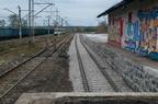 Rampa kolejowa w Wyszkowie -- Rampa wysoka i niska oraz tor boczny nr 7 po remoncie na stacji kolejowej w Wyszkowie. Jak widać, jest to prawdopodobnie najlepszy tor na stacji.