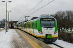 EN57AL-1610 -- Skład trzech zmodernizowanych jednostek EN57AL z pociągiem 10236 rel. Wołomin Słoneczna - Warszawa Wileńska w peronach przyst. Ząbki.
