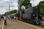 """Ol49-69 -- Pociąg turystyczny """"Jaćwież"""" z Suwałk do Papierni podczepia się do składu."""