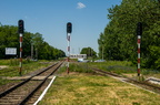 Stacja Śniadowo -- Stacja została wyposażona w sygnalizację świetlną, a budynek dworca i nastawni został wyremontowany. Widok w kierunku Ostrołęki.