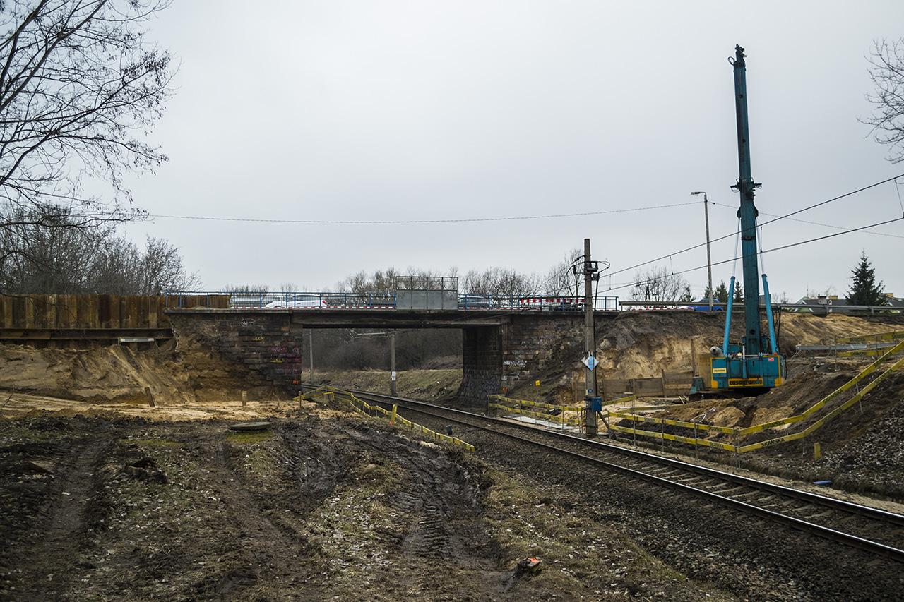 Budowa nowego wiaduktu nad linią kolejową w Wyszkowie